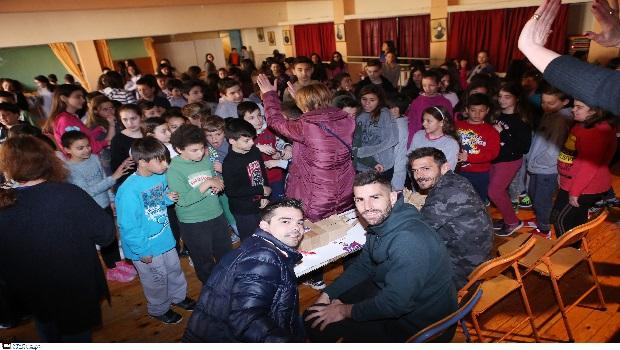 Επίσκεψη των αρχηγών του Πανιώνιου σε σχολεία