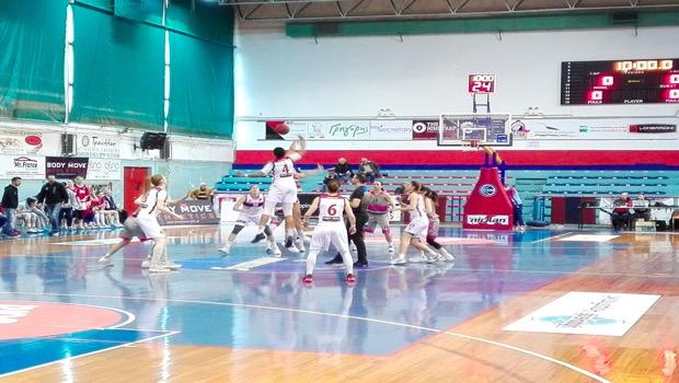 Νίκησαν οι Πανθηρίνες στο μπάσκετ με 81-53