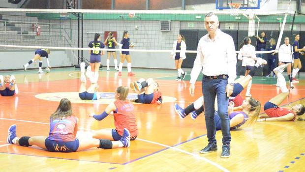 Μεγάλη νίκη στη Κρήτη οι γυναίκες του Βόλεϊ με 1-3 σετ